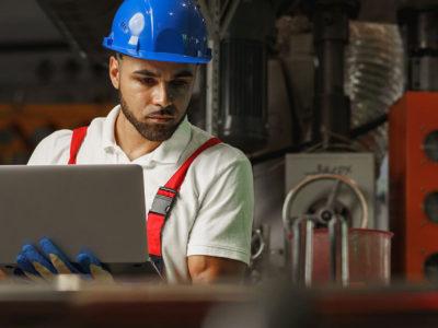 Compliance e manutenção preventiva são indispensáveis para qualquer indústria. Mas você sabe qual a relação entre eles? Neste artigo, explicamos os detalhes.